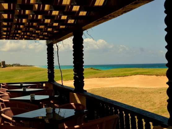 BAR HOYO 19.  VARADERO GOLF CLUB